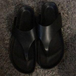 Vince size 11 thong sandal